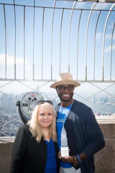 Ross_and_Taye_Diggs_Empire_State_Bldg_10-5-15.jpg