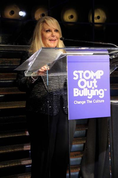 stompoutbullying-12th-anniversary-12.jpg